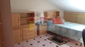 Habitación abuhardillada con baño propio y aire acondicionado